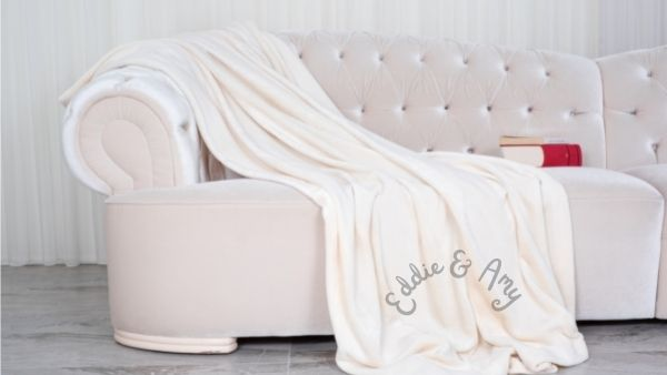 Anniversary Gifts for Parents Idea 17: Personalized Throw Blanket