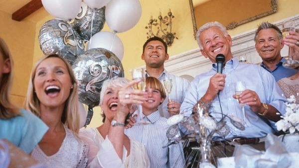 Anniversary Gifts for Parents Idea 25: Family Party