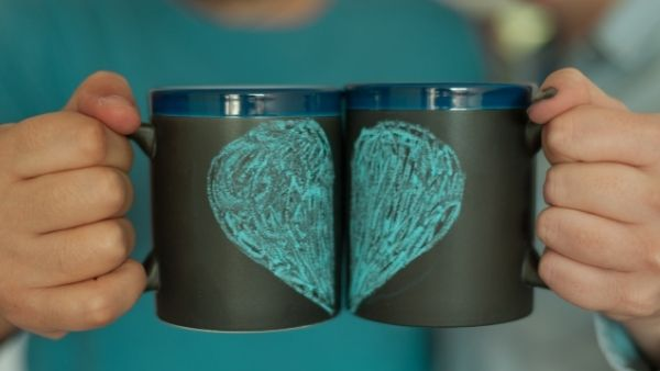 Anniversary Gifts for Parents Idea 3: Matching Husband And Wife Mugs